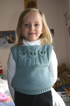Here it is! My grandma knitted this for me when I was a kid (almost 25 years ago). Ravelry: Quick to Knit Animal Vests pattern by Barbara Boulton cats, animals, pattern, kid sweater, crochet, bears, chaleco tejido, knit, kids