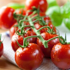 """Make sure to Rinse your Produce before Consumption!! Check out """"The Dirty Dozen"""" or 12 fruits and vegetables that have been found to contain the highest levels of pesticide residue #healthytips #cookingtips #skinnyms"""