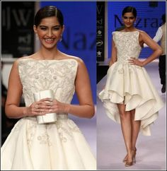@SonamAKapoor models for Rio Tinto's @NazraanaJ http://www.NazraanaJewellery.com/ @ #IIJW2014