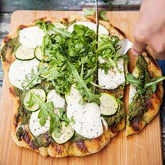 Zucchini-and-Mozzarella Flatbread #recipe