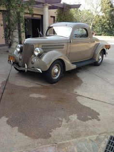 1936 Ford Deluxe 3 Window Coupe