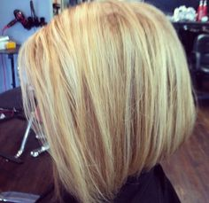 Short blonde hair- this color is awesome