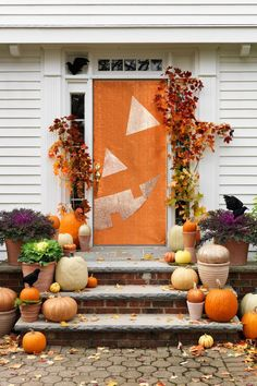 Jack-O-Lantern Door via Pretty My Party