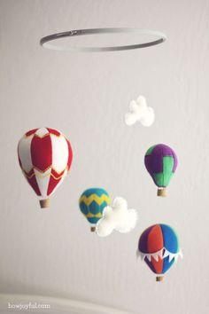 Nursery: Felt hot air balloon mobile – tutorial and pattern | How Joyful