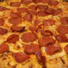 DOMINO'S IS GIVING AWAY 20,000 FREE PIZZAS TODAY BECAUSE THE PHILLIES SUCK