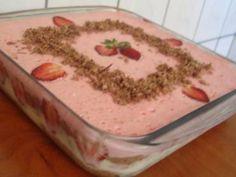 Receita de Pavê mousse de morango e chocolate da Taí - Tudo Gostoso