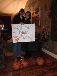 A great way to ask your basketball boyfriend to your prom or just a guy on the basketball team that you like! #prom #promposals
