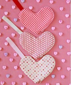 "Heart Shaped Zippered Pouches: Easy Valentine's Day sewing project from ""The Purl Bee"" (via AllFreeSewing). Can be sewn by hand, or by machine."