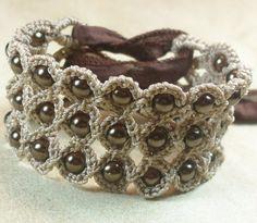 Crochet bracelet @Rachel Eggleston - So cute