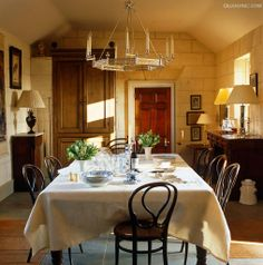 sunlight turns this English dining of Julia Boston room to gold