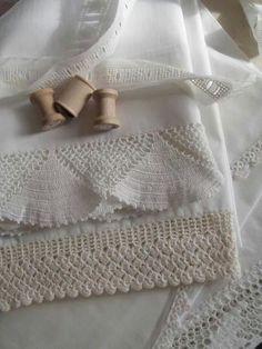 lace, antique linens, cabins, cottages, cottag cozi, antiqu linen, country life, antiques, crochet edg