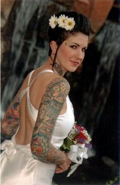 love the back of this dress and of course her awesome tattoos