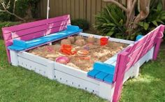 DIY project : sandpit made out of freight pallets