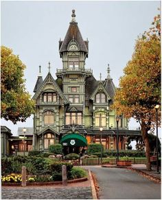 The Carson Mansion – Eureka, CA .   This is such a cool place, loved it!