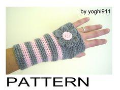 Crochet Free Pattern Fingerless Gloves | PDF Pattern - Hand warmers - Fingerless gloves mittens - Pink e Grey