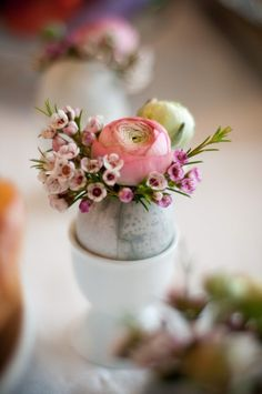 egg as a flower vase. spring table inspiration.