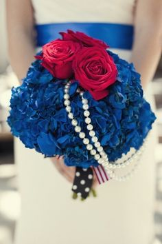 Red, white and blue wedding bouquet from ShawnaYamamoto.com // photo by FocusPhotoInc.com #4thofjuly #wedding #fourthofjuly #redwhiteandblue #themewedding themarriedapp.com hearted <3
