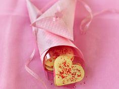 Cookie de coração no canudo de papel:heart sandwich cookie:)