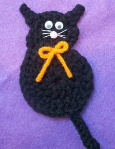 Craft: Black cat crochet pattern - Halloween magnet; Craft Elf.