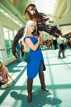 Daenerys Targaryen and Dragon | San Diego Comic Con 2014