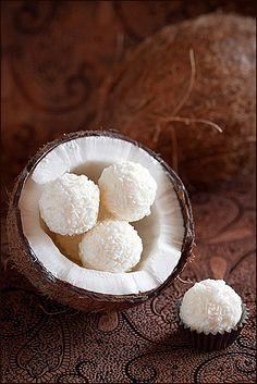Coconut cheese balls