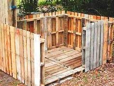 Make tree house or fort in the backyard from recycled pallets.  #recycling #diy #pallets #kids