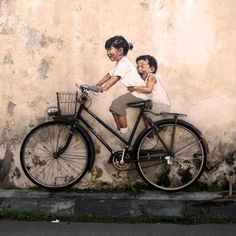 Laut Quelle von  Ernest Zacharevic in Penang (Malaysia). Mehr Werke: http://www.thisiscolossal.com/2012/07/interactive-paintings-on-the-streets-of-malaysia/#