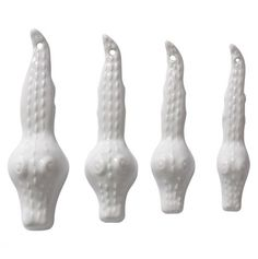 alligator measuring spoons