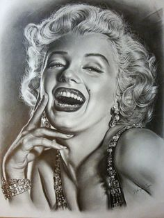 Extremely detailed hand drawn Marilyn Monroe. #art #sketch #drawing #marilynmonroe