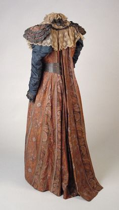 Paisley Shawl Teagown with watteau style back, 1883, © Aberdeen Art Gallery & Museums Collections.