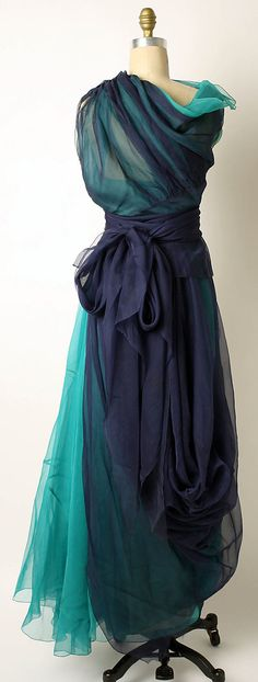 Silk evening dress, back, by Carpentier, late 1940s. mad carpentier, evening dresses, beauti dress, dress mad, art, carpenti french, vintag style, ao dai, evenings