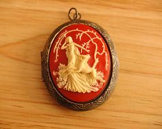 I love solid perfume lockets... and solid perfume :-)