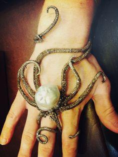 hand, seas, bracelets, accessori, pearls, pearl jewelry, steampunk, jewelri, octopuses