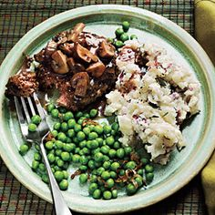 dinner, mashed potatoes, 200 calories, steak meals, gravy, cooking light recipes, mushroom gravi, comfort foods, salisburi steak