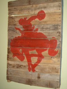 COWBOY DECOR IDEAS.  It doesn't say pallets - but it sure looks like it or could be made from pallets.