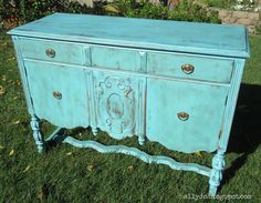 turquoise buffet: Holly Do