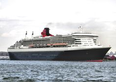 Queen Mary II Coming into New York