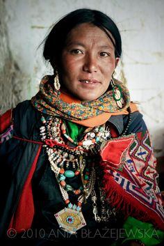 India, Ladakh. Portrait of a woman from Korzok attending the local festival and wearing a traditional dress. | © Ania Blazejewska