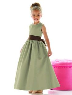 Flower girl dresses in our colour scheme of green and chocolate brown.