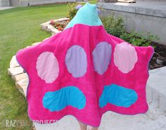Butterfly hooded towel tutorial {Hello Summer} I Heart Nap Time | I Heart Nap Time - Easy recipes, DIY crafts, Homemaking