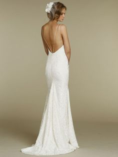 fitted slim lace sweetheart wedding dress with spaghetti straps