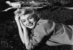 10 Spooky Celebrity Ghost Sightings -Marilyn Monroe