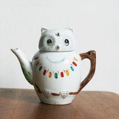 owl teapot....so cute!  :)