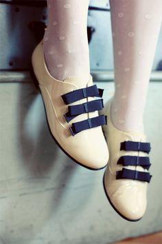 tights & bow oxfords. adorable. #Women'sFashion