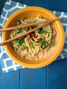 Spicy Paleo Pad Thai Noodles! Low carb and gluten free without sacrificing flavor!