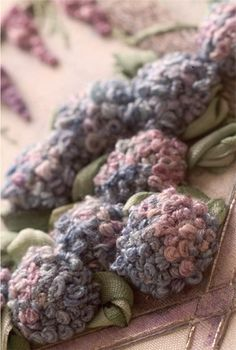 How to make stumpwork hydrangeas.  Great website.