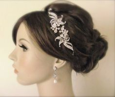 Vintage inspired hairpiece and style