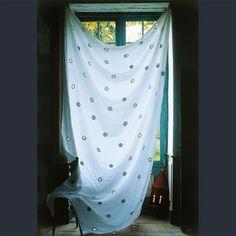 Réaliser un rideau ajouré - Marie Claire Maison