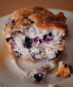 Blueberry Sourcream Muffins - theidearoom.net