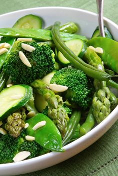 Why green veggies are so important! http://diettogo.com/blog/the-importance-of-eating-green-vegetables